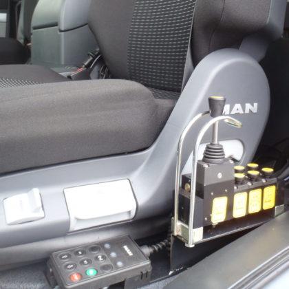Pneumatické ovládání mechanismu  v kabině