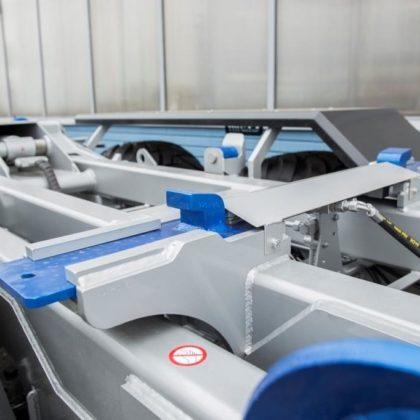 Hydraulické / mechanické zajišťování kontejneru